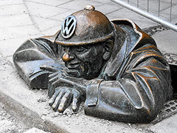 cumil - man at work for volkswagen