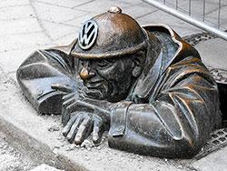 cumil - man at work for volkswagen